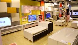 Στην υπεραγορά επίπλων ikea, σύγχρονο κατάστημα επίπλων, κατάστημα επίπλων Στοκ Εικόνες