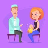 Στην υποδοχή στον παιδίατρο Ο γιατρός ακούει το αναπνέοντας statoscope παιδί που βρίσκεται την περιτύλιξη μητέρων της s και Στοκ Εικόνες