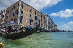 Στη Βενετία (το μεγάλο κανάλι) Στοκ φωτογραφία με δικαίωμα ελεύθερης χρήσης