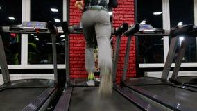 Στη γυμναστική: Treadmill φιλμ μικρού μήκους