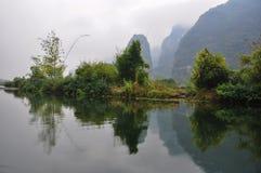 Στη μέση του ποταμού Yulong Στοκ Φωτογραφίες