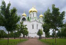 Στη νεφελώδη ημέρα Ιουλίου καθεδρικών ναών της Catherine Tsarskoye Selo Στοκ εικόνα με δικαίωμα ελεύθερης χρήσης