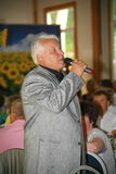 Στη σκηνή, ο συνθέτης-τραγουδοποιός, τραγουδιστής, Maestro Αλέξανδρος Morozov Στοκ Εικόνες