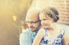 Στιγμή πατέρων και κορών Στοκ φωτογραφία με δικαίωμα ελεύθερης χρήσης