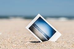 Στιγμιαία φωτογραφία με τις μνήμες διακοπών στην παραλία Στοκ Εικόνα