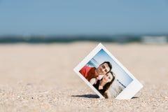 Στιγμιαία φωτογραφία Polaroid του νέου ζεύγους Στοκ Φωτογραφία