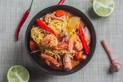 στιγμιαία noodles πικάντικα στοκ φωτογραφία με δικαίωμα ελεύθερης χρήσης