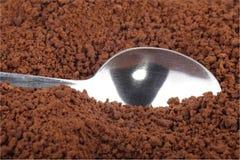 Στιγμιαίος καφές και κουταλάκι του γλυκού στοκ φωτογραφία