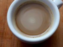 Στιγμιαίος καφές σε ένα φλυτζάνι Καφές αφρού στοκ εικόνα με δικαίωμα ελεύθερης χρήσης