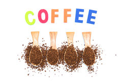 Στιγμιαίος καφές στο ξύλινο κουτάλι με τον καφέ λέξης στοκ εικόνα με δικαίωμα ελεύθερης χρήσης