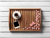 Στιγμιαίο πλαίσιο φωτογραφιών και πολλές χαριτωμένες καρδιές Στοκ εικόνα με δικαίωμα ελεύθερης χρήσης