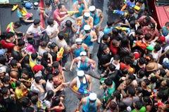 Στις 13 Απριλίου της Μπανγκόκ: Το φεστιβάλ Songkran στο δρόμο Silom, Μπανγκόκ, είναι Στοκ φωτογραφίες με δικαίωμα ελεύθερης χρήσης