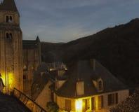 Στις αρχές βραδιού στο χωριό Conques στοκ φωτογραφία
