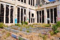 Στις καταστροφές: Εγκαταλειμμένο σπίτι δύναμης Στοκ Εικόνες
