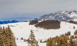 Στις κλίσεις του χιονοδρομικού κέντρου Brixen im Thalef Τύρολο Στοκ Φωτογραφία