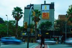 Στις 5 Σεπτεμβρίου της Βαρκελώνης, Ισπανία: Υπέρ ανεξαρτησία Catalunya εμβλημάτων πολιτικής στοκ εικόνες με δικαίωμα ελεύθερης χρήσης
