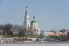 Στις τράπεζες της εκκλησίας Στοκ Φωτογραφίες