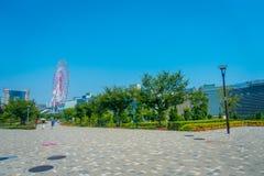 ΣΤΙΣ 28 ΙΟΥΝΊΟΥ ΤΟΥ ΤΟΚΙΟ, ΙΑΠΩΝΙΑ - 2017: Η ρόδα Ferris στο horizont, αυτή η μεγάλη έλξη βρίσκεται στο τεχνητό νησί Στοκ Εικόνες