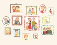 Στοά των οικογενειακών πορτρέτων Φωτογραφίες στον τοίχο απεικόνιση αποθεμάτων