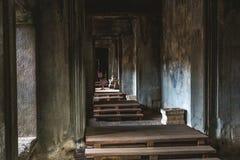 Στοές και διάδρομοι μέσα στο ναό Angkor Wat, Καμπότζη Στοκ Φωτογραφίες