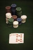 στοίβα πόκερ τσιπ καρτών Στοκ Εικόνες