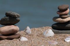 Στοίβα των πετρών στην παραλία Στοκ Φωτογραφία
