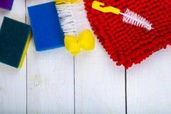 Στοιχεία για τον καθαρισμό στην κουζίνα στοκ εικόνες