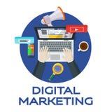 Στοιχεία και μάρκετινγκ analytics Ιστού Εργασία στα κοινωνικά δίκτυα γύρω από το εννοιολογικό seo βελτιστοποίησης επιστολών λέξης Στοκ Φωτογραφίες