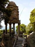 Στοιχεία του στόκου και αγάλματα του εγκαταλειμμένου ξενοδοχείου στο ύφος angkor Στοκ φωτογραφίες με δικαίωμα ελεύθερης χρήσης