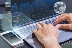 Στοιχεία χρηματιστηρίου ελέγχου υπολογιστών χρήσης επιχειρησιακών ατόμων Στοκ Εικόνα