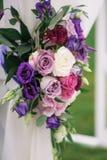 Στοιχείο αψίδων με τα λουλούδια για τις γαμήλιες διακοσμήσεις Στοκ φωτογραφία με δικαίωμα ελεύθερης χρήσης
