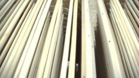 Στοιχείο ξυλουργικής με μια σύσταση απόθεμα Κατασκευή επίπλων Joinery εργασία Παραγωγή των μερών του ξύλου απόθεμα βίντεο