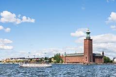 ΣΤΟΚΧΟΛΜΗ, ΣΟΥΗΔΙΑ - 18 ΙΟΥΛΊΟΥ 2017: Άποψη πέρα από το Δημαρχείο στη Στοκχόλμη, Σουηδία Στοκ Εικόνα