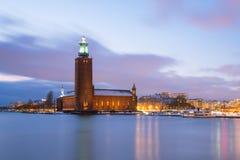 Στοκχόλμη Δημαρχείο dusk Σουηδία στοκ εικόνες