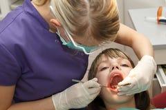 Στον οδοντίατρο Στοκ φωτογραφίες με δικαίωμα ελεύθερης χρήσης