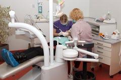 Οδοντική χειρουργική επέμβαση Στοκ φωτογραφίες με δικαίωμα ελεύθερης χρήσης
