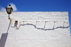 Στον τοίχο arrecife teguise Lanzarote Ισπανία μπλε ουρανού Στοκ φωτογραφία με δικαίωμα ελεύθερης χρήσης