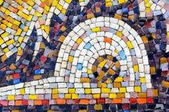 Στους τοίχους του χρωματισμένου κεραμιδιού Στοκ φωτογραφία με δικαίωμα ελεύθερης χρήσης