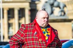 Στουτγάρδη, Γερμανία - 19 Φεβρουαρίου 2018: Άτομο που κάνει ένα σοβαρό πρόσωπο κατά τη διάρκεια της Τρίτης Shrove να παρελάσει Στοκ εικόνα με δικαίωμα ελεύθερης χρήσης