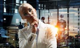 Στοχαστικός γυναικείος προϊστάμενος Στοκ εικόνα με δικαίωμα ελεύθερης χρήσης