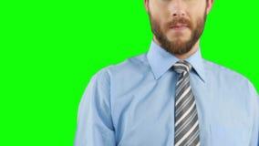 Στοχαστικός επιχειρηματίας που γράφει σε έναν αόρατο πίνακα απόθεμα βίντεο