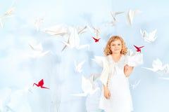 Στοχαστικό κορίτσι Στοκ εικόνα με δικαίωμα ελεύθερης χρήσης