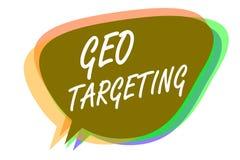 Στοχοθέτηση Geo κειμένων γραψίματος λέξης Επιχειρησιακή έννοια για την ψηφιακή ιδέα μ λεκτικών φυσαλίδων θέσης εκστρατειών Adword στοκ εικόνα με δικαίωμα ελεύθερης χρήσης