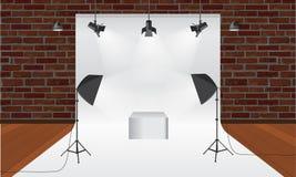 Στούντιο φωτογραφίας με τον εξοπλισμό φωτισμού και το διάνυσμα σκηνικού Πρότυπο επίδειξης Στοκ Εικόνες