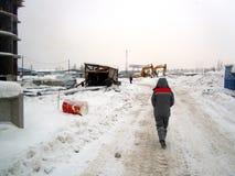 Στο εργοτάξιο οικοδομής το κορίτσι Στοκ φωτογραφίες με δικαίωμα ελεύθερης χρήσης