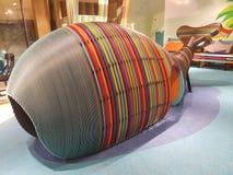 Στο εσωτερικό ξύλινη δομή σε μια παιδική χαρά Τα παιδιά αγαπούν τη μορφή της δομής: μια φάλαινα στοκ εικόνες με δικαίωμα ελεύθερης χρήσης