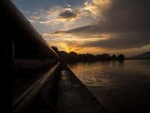 Στο ηλιοβασίλεμα Στοκ φωτογραφία με δικαίωμα ελεύθερης χρήσης