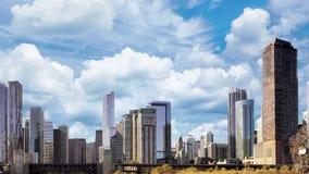 Στο κέντρο της πόλης πόλη της άποψης εικονικής παράστασης πόλης του Σικάγου από τη λίμνη Μίτσιγκαν φιλμ μικρού μήκους