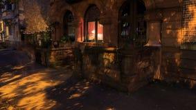 Στο κέντρο της πόλης σκηνή ως προσεγγίσεις βραδιού στη Νέα Υόρκη του Άλμπανυ στο ηλιοβασίλεμα Στοκ Φωτογραφίες