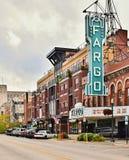 Στο κέντρο της πόλης Fargo και ο κινηματογράφος Fargo theate στοκ εικόνες